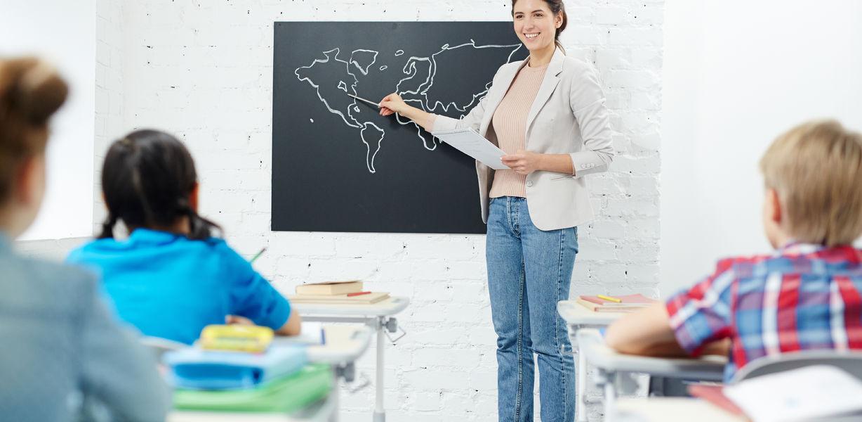 Работать в школу идут менее трети выпускников педагогических вузов