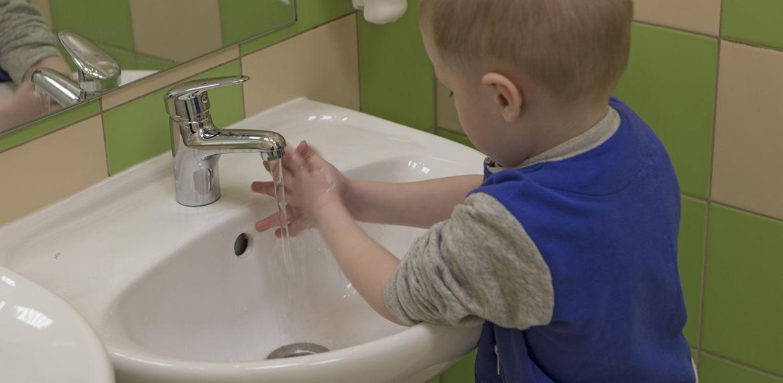 Как при помощи обычного хлеба объяснить ученикам, почему нужно мыть руки с мылом?