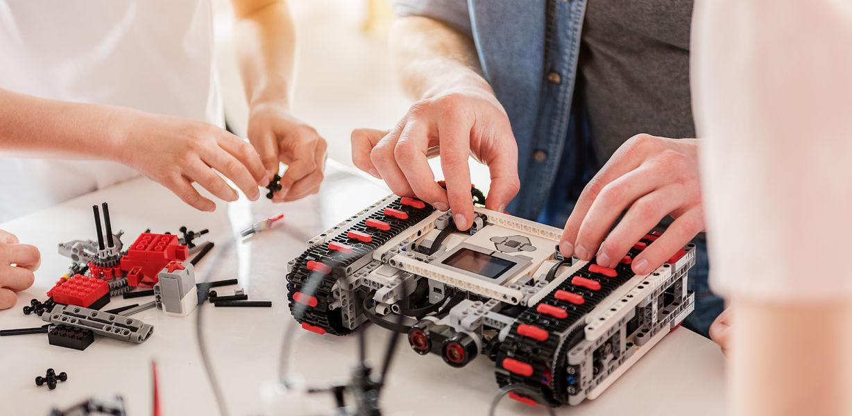 Абитуриентам с недостаточно высокими результатами ЕГЭ помогут поступить изобретения и проекты