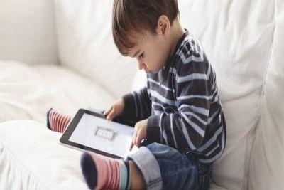 Выстраивание системы психологических взаимодействий дошкольника с компьютером и интернетом